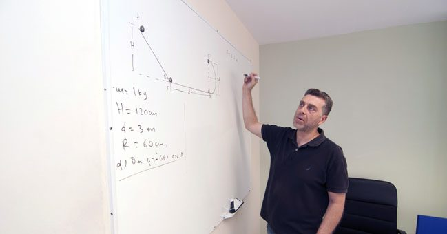 Καθηγητές αξία - Φροντιστήριο στο Χολαργό