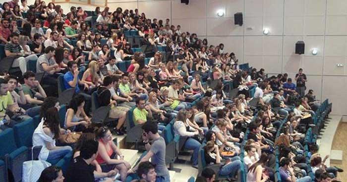 Εγγραφή επιτυχόντων στην Τριτοβάθμια Εκπαίδευση 2018 - Εικόνα: www.agriniopress.gr